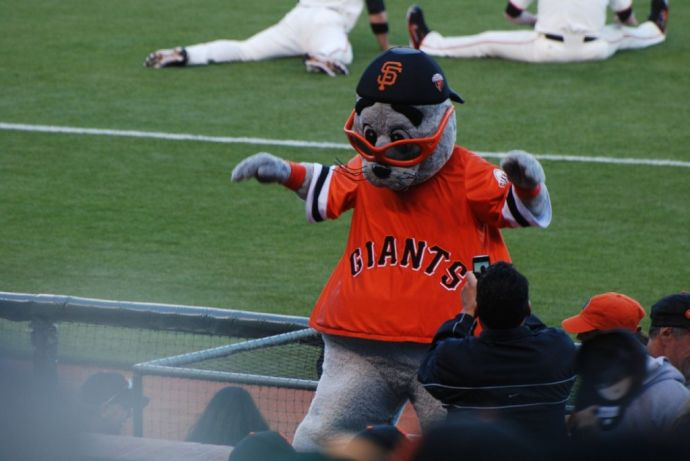 Giants5LouSeal